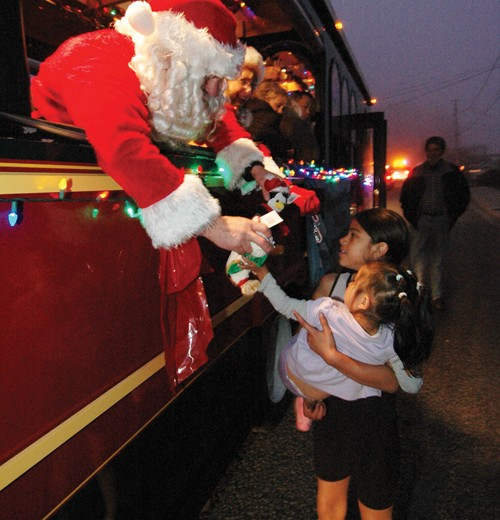 All photos: Courtesy of Sandprints Photography There's plenty going on in Morro Bay during the holiday season, from the Lighted Boat Parade to seasonal shopping and festivals.