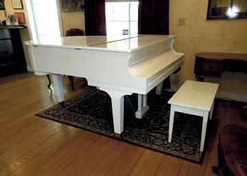 Hunt_cellars_White_Grand_Piano