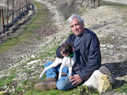 Larry and Teresa Stanton own and operate Cerro Prieto Vineyard and Cellars.