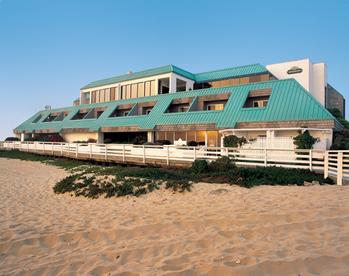 The Sea Venture was the first oceanfront hotel in the scenic, seaside city of Pismo Beach, and today it boasts every essential ingredient for an amorous escape.