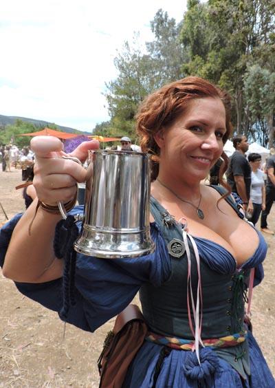 Beer maiden