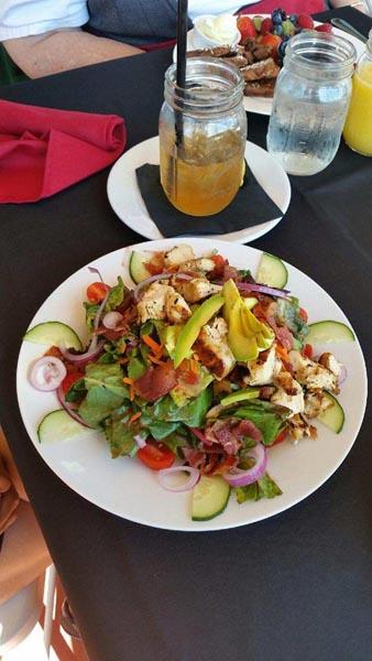 First-class-cafe-salad